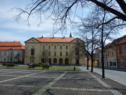 FOTKA - Slaný - budova Vlastivědného muzea (bývalá kolej piaristů)