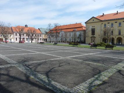 FOTKA - na Masarykově náměstí ve Slaném