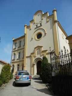 FOTKA - synagoga  v královském městě Slaný, dnes služebna Policie