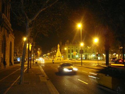 FOTKA - Barcelona - provoz jak ve dne
