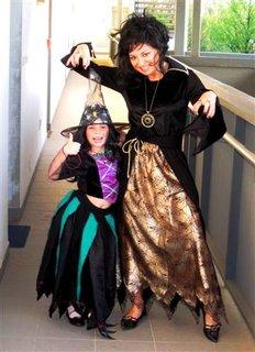 FOTKA - mladá a stará čarodějnice