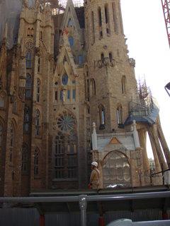 FOTKA - od počátku stavby až dodnes se katedrála staví z darů a příspěvků