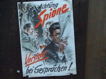 FOTKA - Pozor na špiony!