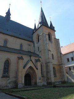 FOTKA - Slaný - Na místě původně románské baziliky byl rozšířen v gotickém slohu děkanský kostel sv. Gotharda.