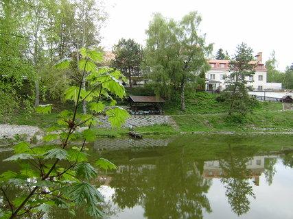 FOTKA - rybník, který patří k hotelu 3