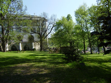 FOTKA - zámecká zahrada a přestavěný hrad