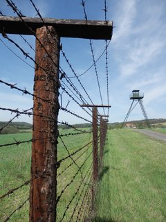 """FOTKA - """"Hranice niesú korzo, aby sa tu volakdo prechádzal!"""" (Gustáv Husák, 1969)"""