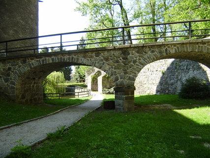 FOTKA - vedle hradu 7