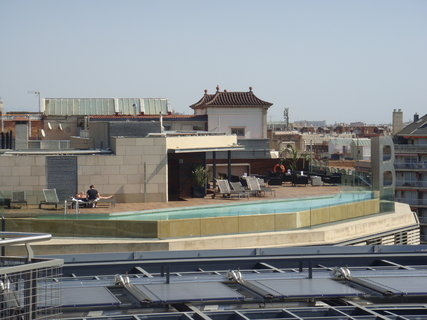 FOTKA - Bazén na střeše.