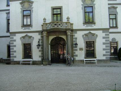 FOTKA - přestavěná část hradu