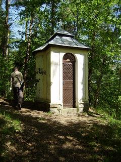 FOTKA - kaplička v lese
