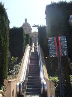 FOTKA - Pohodlnější přístup po eskalátorech