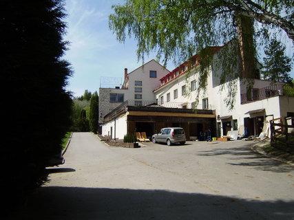 FOTKA - Pohled na hotel z cesty