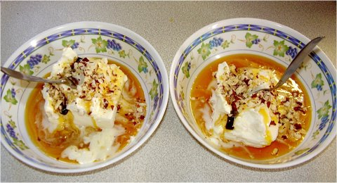 FOTKA - na to jsme si dali polárkový dort s karamelem a oříškama