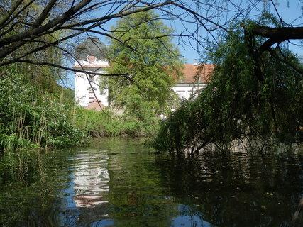 FOTKA - Riegersburg - pohled na zámek přes rybník