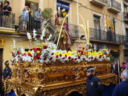 FOTKA - Květná neděle - procesí připomíná příchod Ježíše na oslu do Betléma