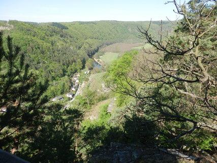 FOTKA - Dyje meandruje, stromy se zelenají, jaro v Podyjí