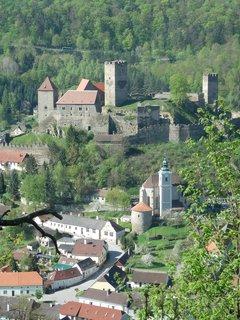 FOTKA - vyhlídka na rakouský hrad Hardegg, NP Podyjí