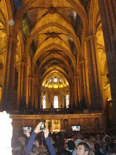 FOTKA - Uvnitř katedrály sv.Eulalie.