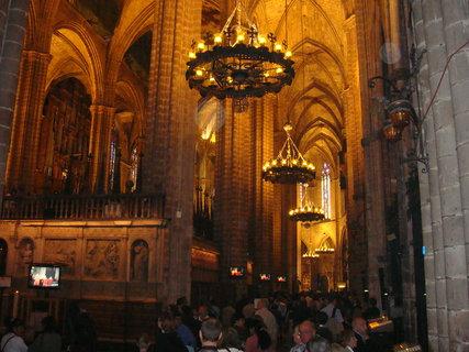 FOTKA - Uvnitř chrámu sv. Eulálie