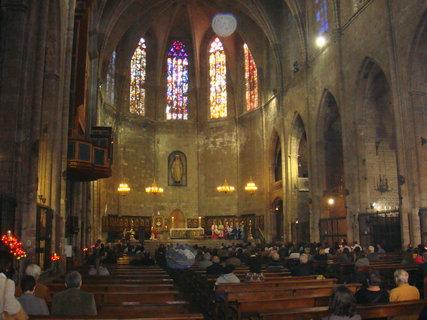FOTKA - Uvnitř katedrály sv.Eulalie...