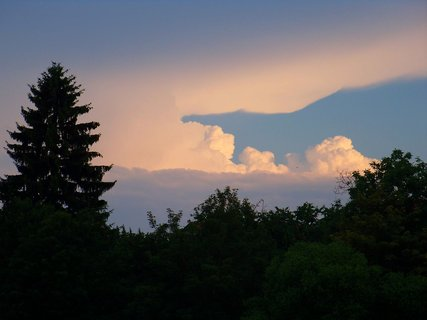 FOTKA - 18.6.2012, mraky v dáli....