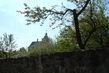 Kostel za zdí