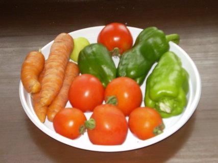FOTKA - zelenina - není umělohmotná :-)