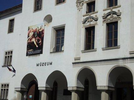 FOTKA - historické budovy....