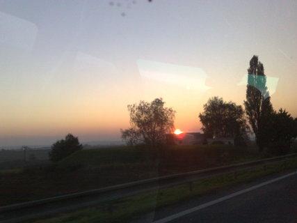 FOTKA - Východ slunce z auta - 01