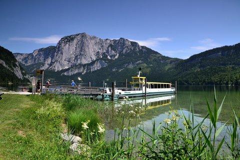 FOTKA - U horského jezera