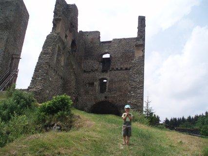 FOTKA - U� jsme u hradu