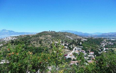 FOTKA - Albánie .. Skadar... k pevnosti