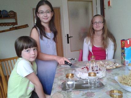 FOTKA - Karolínka oslavuje 10.narodeniny -s kamarátkami