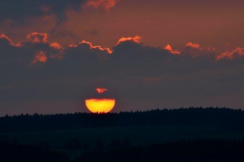 FOTKA - Pomeranč se kutálí za obzor