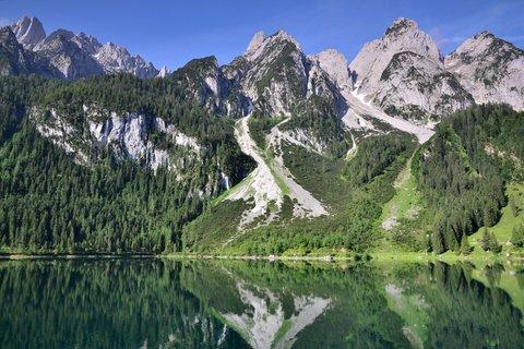 FOTKA - Nad jezerní hladinou