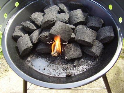 FOTKA - Včerejší grilování oběda na grilíčku za bodíky na CHž.-2