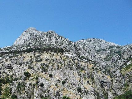 FOTKA - Město Kotor chránily hory a moře