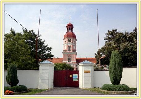 FOTKA - Zavřený vstup do zámku