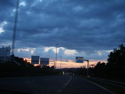 FOTKA - večerní cesta  ,  ,  ,
