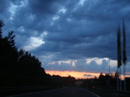 FOTKA - večerní cesta . ., ,.