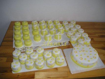 FOTKA - 50 minidortíků na svatbu