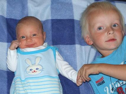 FOTKA - sourozenci (Karolínka a Daneček)