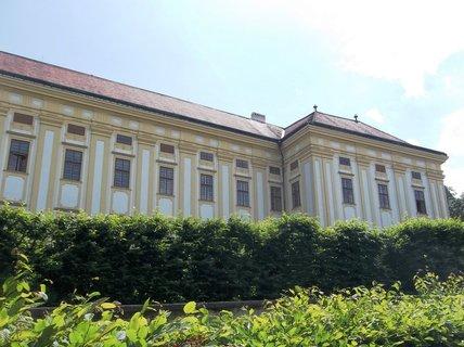 FOTKA - Podz�meck� zahrada v Krom���i -z�mek