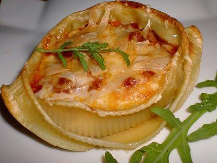 FOTKA - Těstovinová mušle s boloňskou náplní