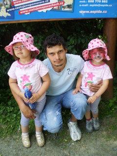 FOTKA - tatka s holkama