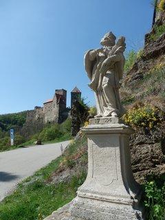 FOTKA - pod hradem Hardegg  (článek bude v září)