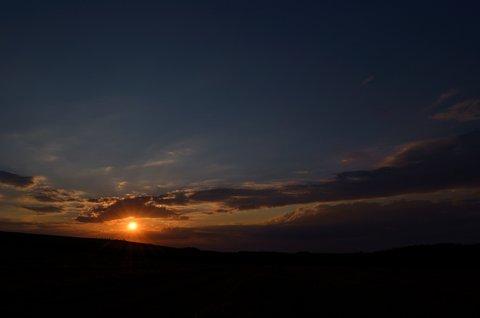 FOTKA - Srpnový západ slunce nad polem