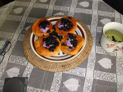 FOTKA - Bavorské vdolečky s borůvkami a borůvkovou pěnou