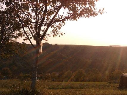 FOTKA - oslnění zapadajícím sluncem.